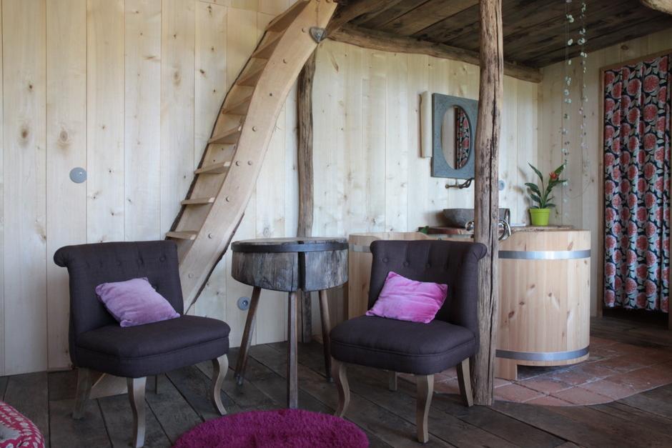 dans la prairie ecolodge la belle verte. Black Bedroom Furniture Sets. Home Design Ideas