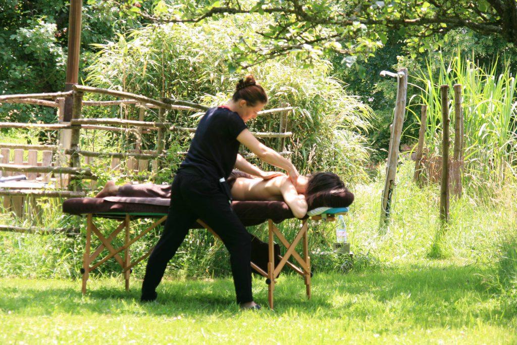 Définition ecolodge massage en pleine nature